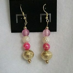 NWT Purple and pink beaded earring